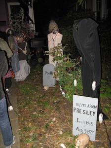 Хэллоуин. Могилы.